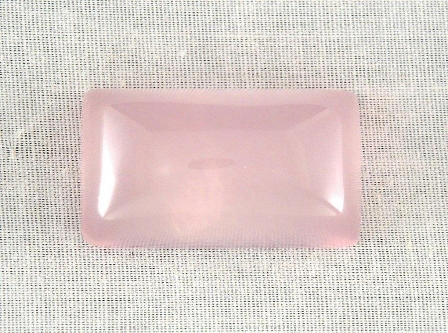 pink gemstones: rose quartz