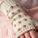 Rosebud Fingerless Gloves to Knit
