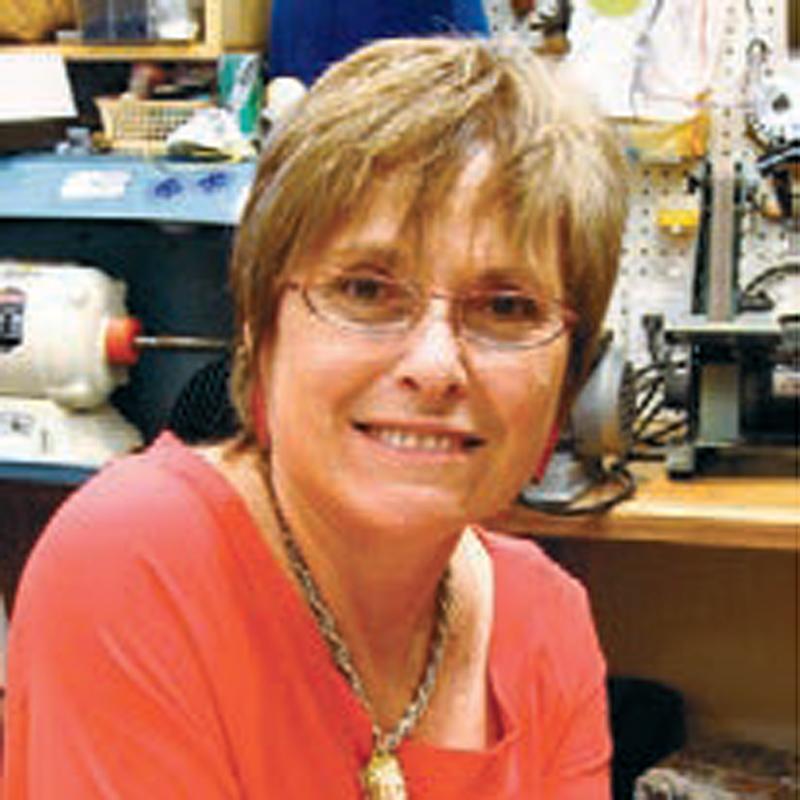 Alice Sprintzen - jewelry artist