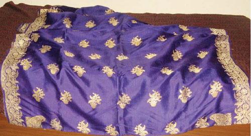 Chitra Balasubramaniam's grandmother's wedding saree. Woven. Silk, gold (zari) threads. Banaras, India. Circa 1930. All photos by Chitra Balasubramaniam.