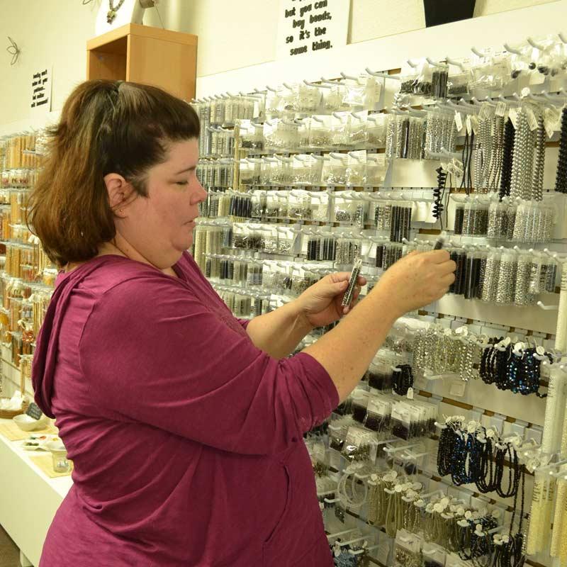 Bead Artist Shae Wilhite in the Studio – Her Store Sweet Beads