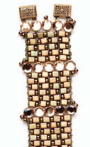 Learn how to make a beaded loom bracelet as part of this FREE Native American beadwork eBook.