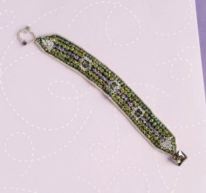 Learn how to make this bead embroidery bracelet in this free ebook.