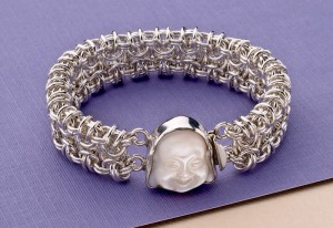 This free chain maille bracelet project is the perfect project to try new jewelry-making skills.