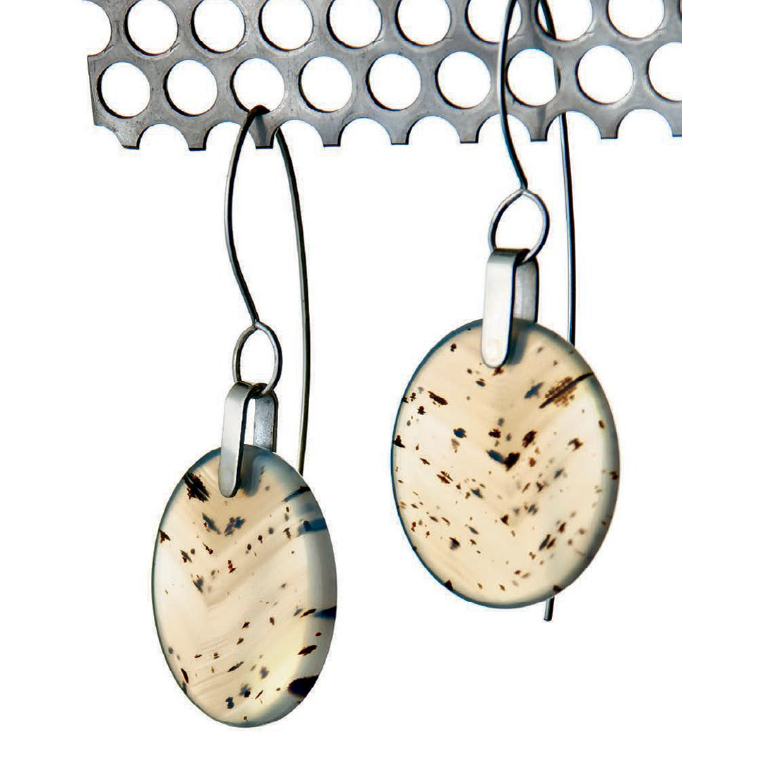 Tom & Kay Benham's Montana Agate Disk Earrings were originally published in Lapidary Journal Jewelry Artist, May/June, 2011; photo: Jim Lawson
