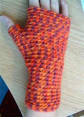 Basic crochet fingerless mittens by Julia V.