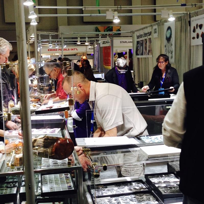 buying cabochons at AGTA at the Tucson gem shows