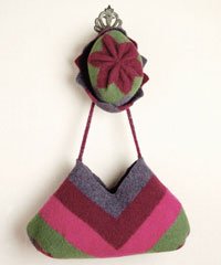 Your kids will love these FREE weaving projects for kids including felted hat and purse patterns in our free eBook.