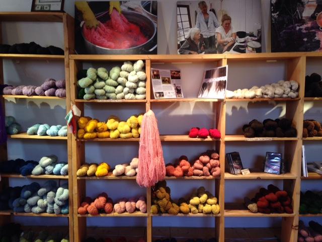 churro-yarn-taos-weaving