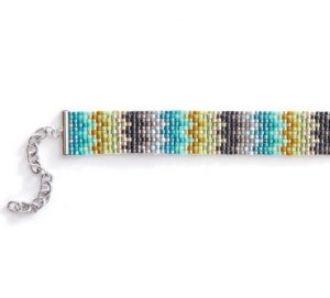 Learn how to loomwork bracelets in this FREE eBook on bead loom bracelets.