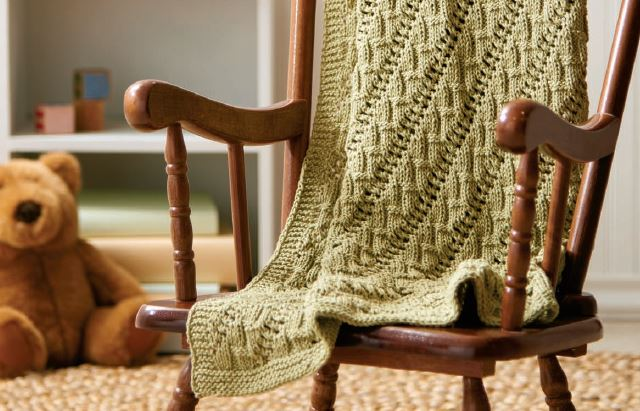 Knit this snuggly cotton blanket for the little ones in your life!