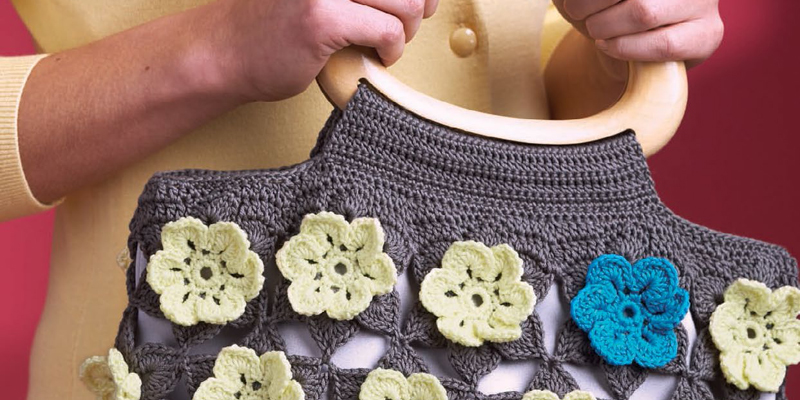 Crochet Flowers: 9 Free Crochet Flower Patterns from Simple to Ornate