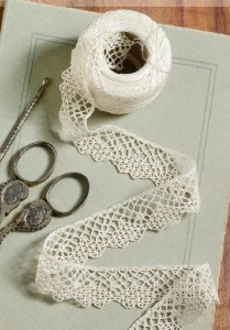 Elegant crochet lace to create // needleworktraditions.com