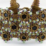 Beaded Bezel Tutorial for Crystals by Kelly Wiese