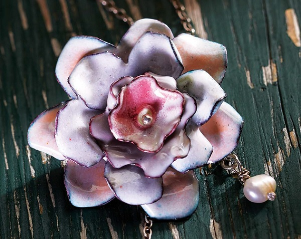 make this torch-fired enamel flower necklace