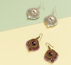 Learn how to make these enchanted rivoli earrings in this FREE eBook on seed bead earrings.