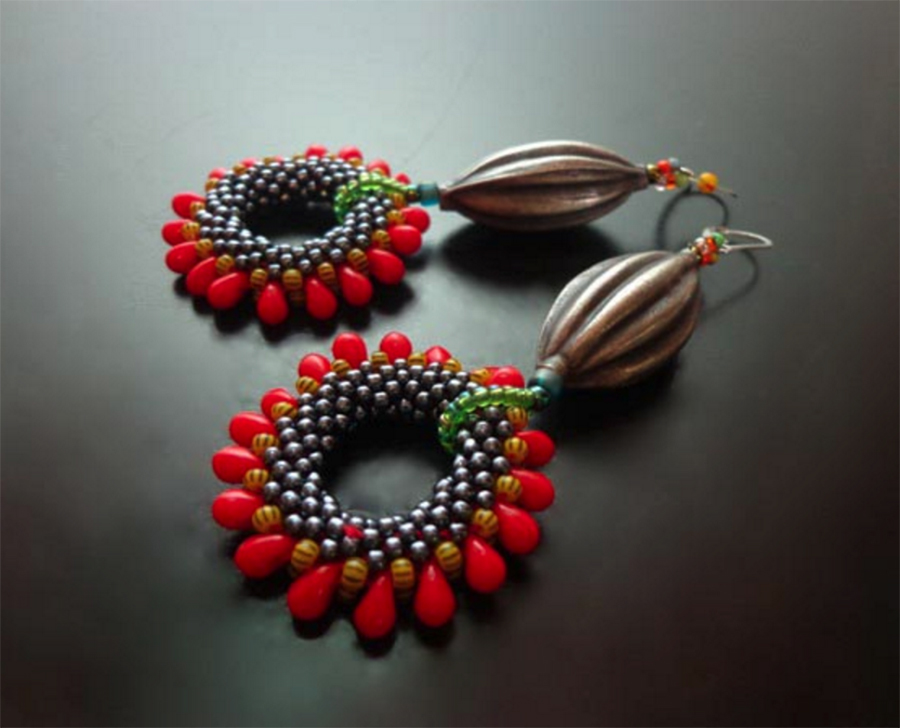 Flower Pod Earrings, bead crochet, by Annette Mackrel, Bead Fest Summer 2016
