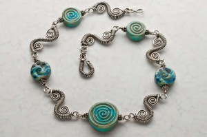 How to make a wire-wrapped necklace in this free ebook on how to make wire jewelry.