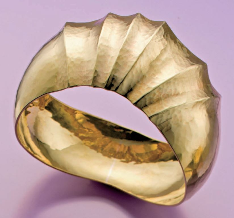This Domed Fluted Bangle uses the same blank as the bead-filled bangle above. Lapidary Journal Jewelry Artist May/June 2014, Photo: Jim Lawson