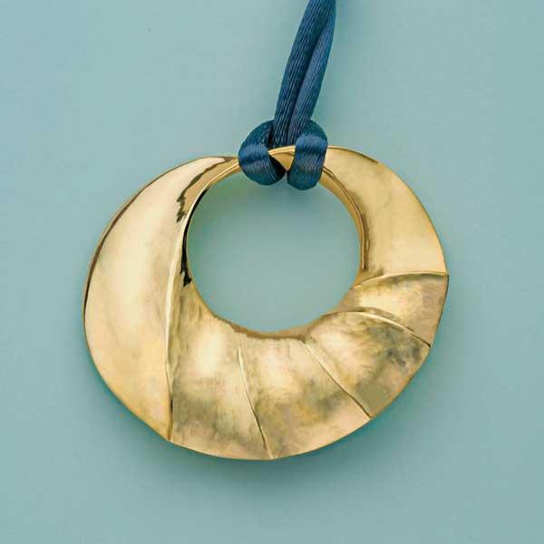 Replicate bill Fretz's pendant as an ornament.