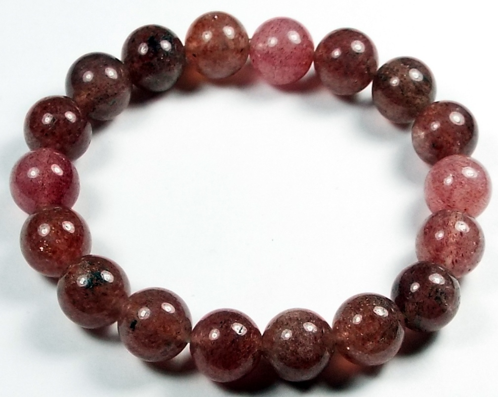 bracelet made of cherry tanzurine gemstones