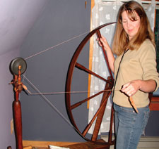 Learn about spinning techniques for both short draw and long-draw spinning in this free eBook on handspun yarn.