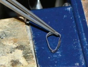 metalsmithing tips use tweezers to touch bezels to prevent distortion