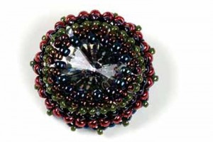 If you love herringbone stitch in beading, then you'll LOVE these easy-to-make beaded cabochon settings using cabochons and gemstones.