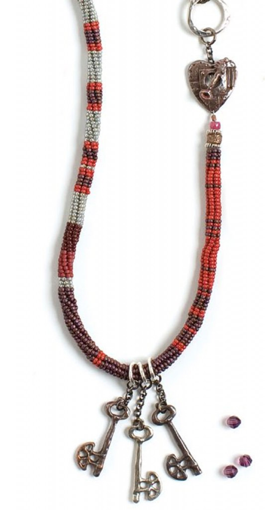 Make a herringbone tube necklace using bead weaving techniques in this free guide.