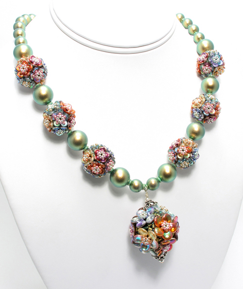 highland-garden-necklace