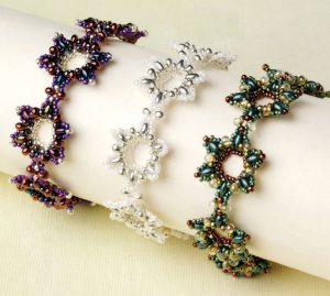 Leaern how to make these snowflakes bracelets in our FREE eBook on holiday jewelry and decor.