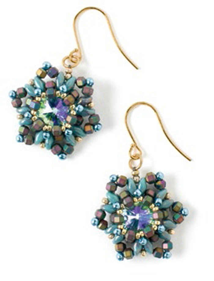 Learn how to make these snowflake beaded earrings in this FREE eBook on holiday jewelry and decor.