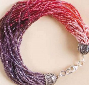 Create and impress others with this easy ombre bead necklace in this free bracelet-making tutorial.