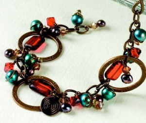 Learn how to make a charm bracelet in this free bracelet-making ebook.