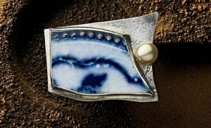Learn how to make a brooch using silversmith techniques with a pottery shard in this FREE eBook on how to make silver jewelry.