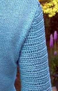 Ice-Blue Ribbon - sleeve