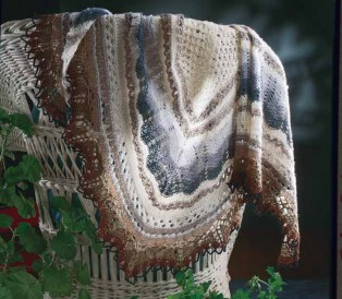 You'll love knitting this Icelandic Shawl free lace knitting pattern.