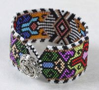 The only beaded bracelet making projects you need are all located here—and they're FREE! They make amazing gifts and can be made on a budget, so start beading!