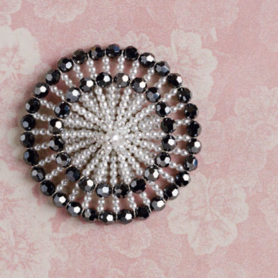 4 Free Beaded Brooch Projects