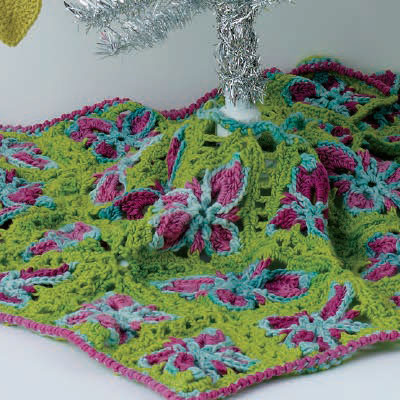 Free Christmas crochet patterns for the holidays.