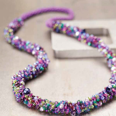 Free wire and bead crochet jewelry patterns.