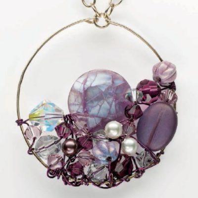 Free DIY pearl jewelry patterns.