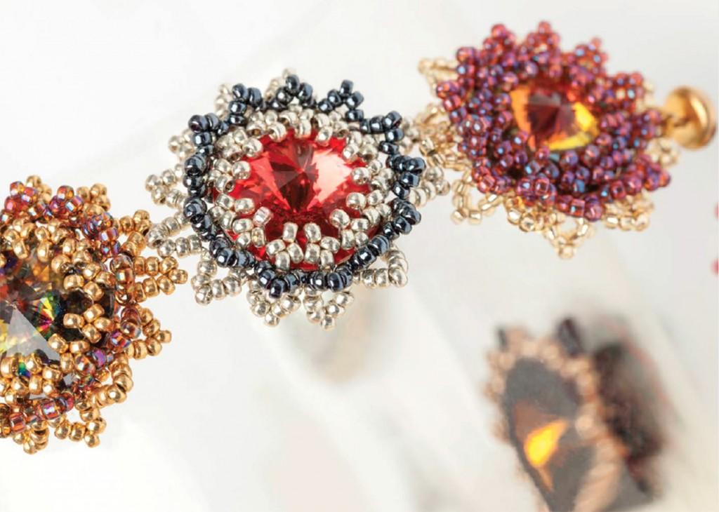 Inverted Hubble Stitch used to bezel stones, by Melanie de Miguel, Hubble Stitch