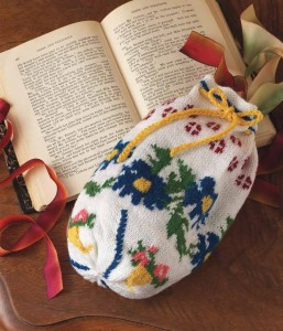 Knit this Jane Austen-inspired reticule to hold all your pretty little things!