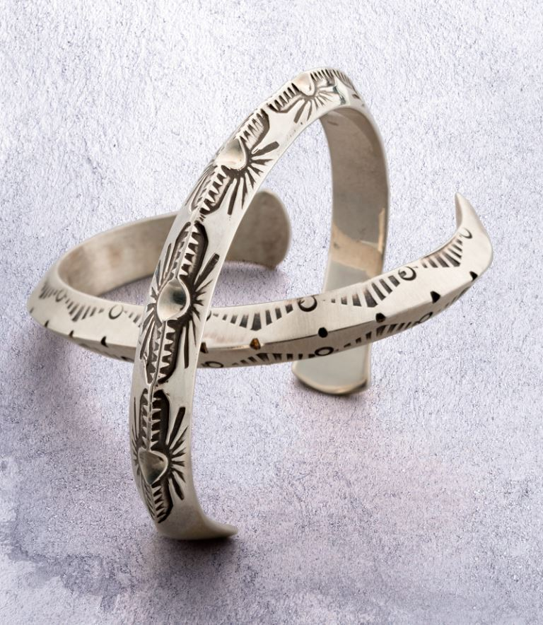 """The """"Jig Stamped Silver Cuff"""" project by Jeff Fulkerson appeared in the November/December 2017 Lapidary Journal Jewelry Artist; photo: Jim Lawson"""