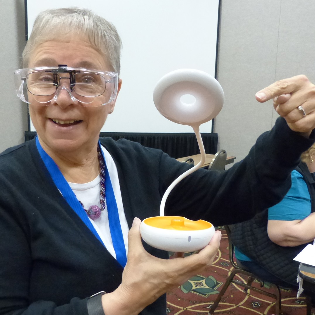 jewelry-making tips: Georgette Sahm shows off a Meco task light.
