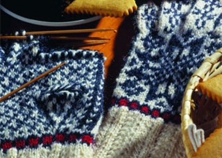 Knit Gloves with two colors
