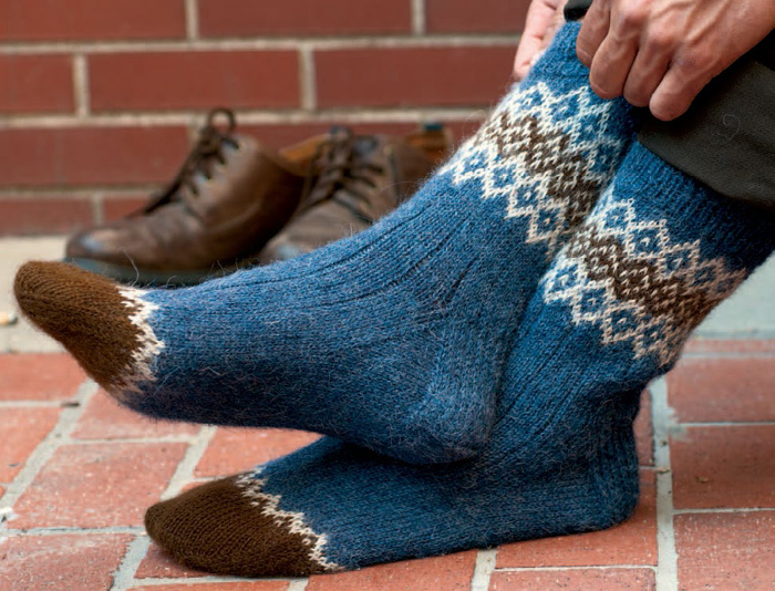 Knitting Socks Pattern : Free sock knitting patterns to download interweave