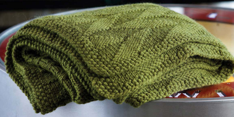 Knitting Blankets and Afghans: 7 Free Patterns to Make You Cozy!