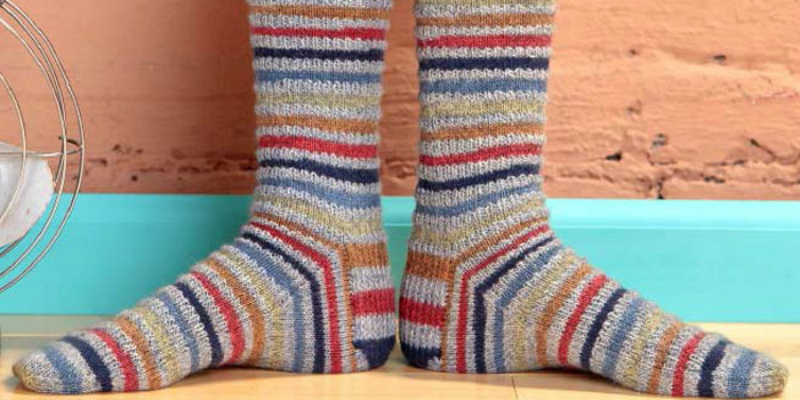 Knitting Socks for the Humble Toes